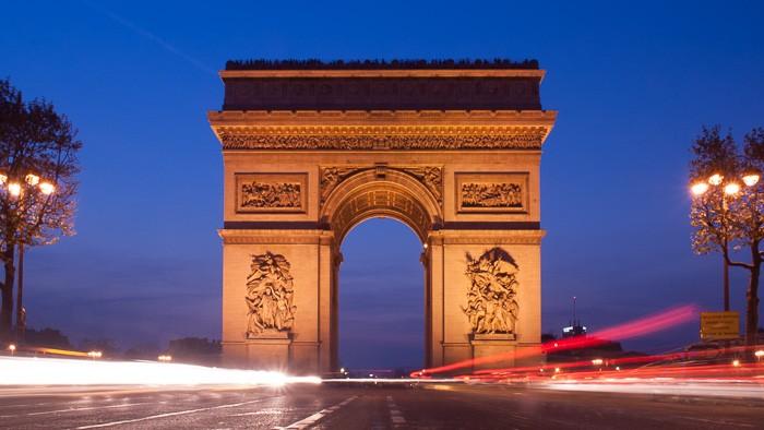 Arc de Triomph in het blauw uurtje