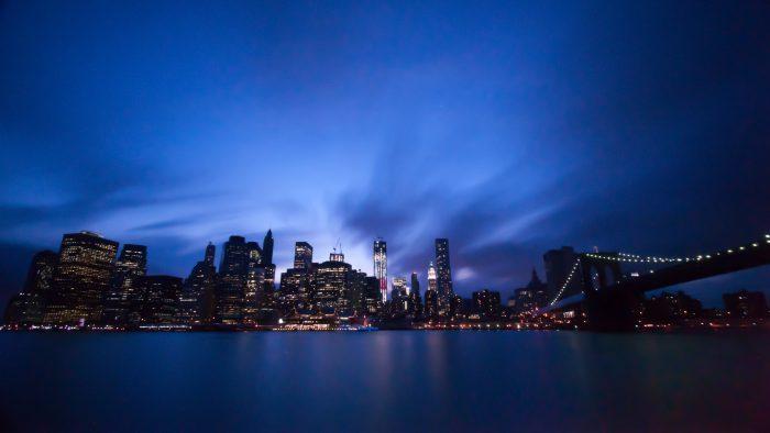 Extreem lange sluitertijd bij de skyline van New York.
