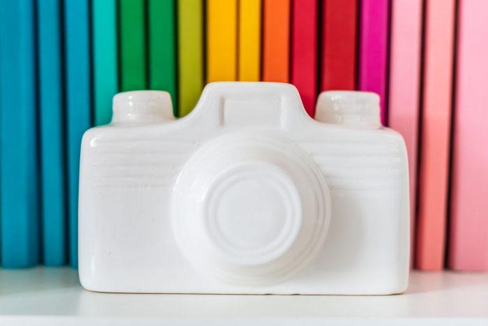 Sparen voor een nieuwe camera? Dat doe je natuurlijk met deze camera-spaarpot!