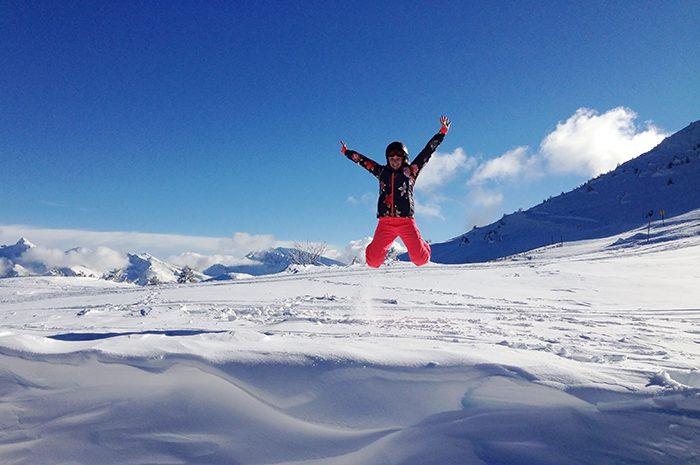 Cliche vakantiefoto's: jump!