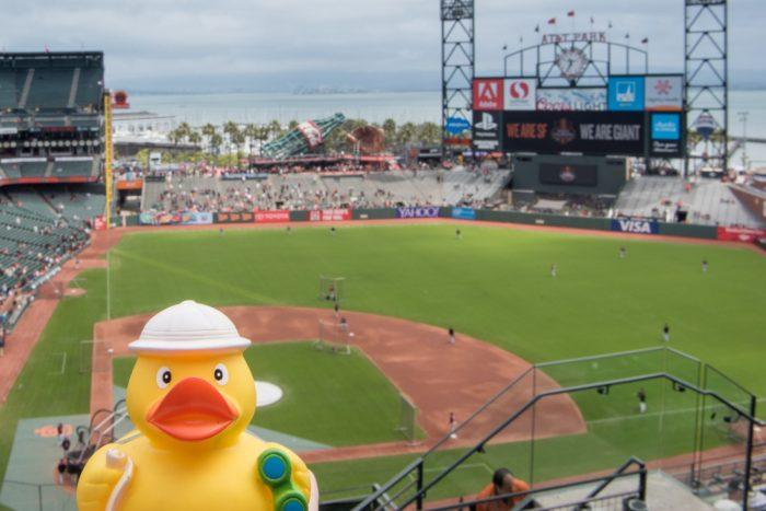 Ducky bij een baseball game in San Francisco