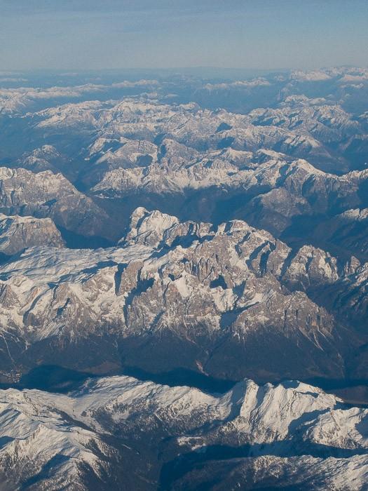 De Alpen vanuit de lucht gefotografeerd