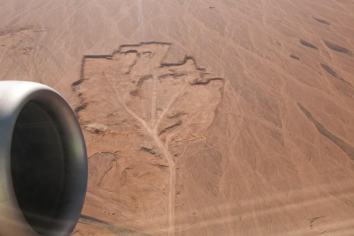 Coole patronen in de woestijn door afgravingen