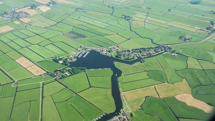 Nederlandse velden vanuit de lucht gefotografeerd