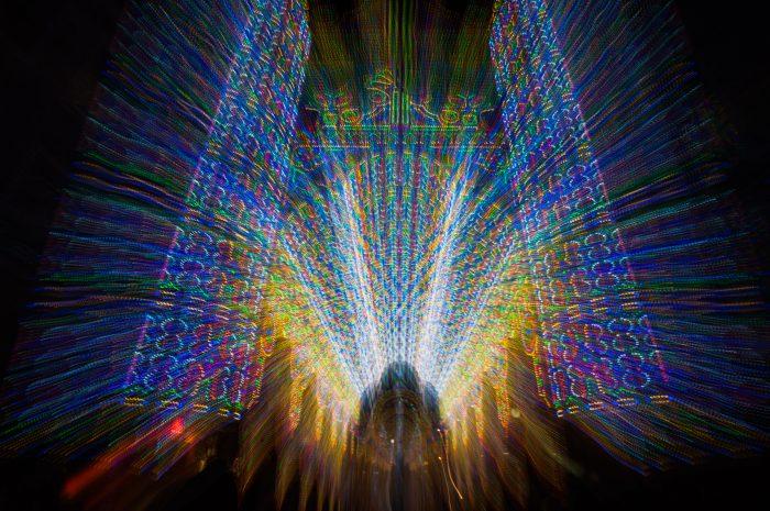 De camera stond op statief. Tijdens het maken van de foto zoomde ik uit waardoor dit gave effect ontstond!