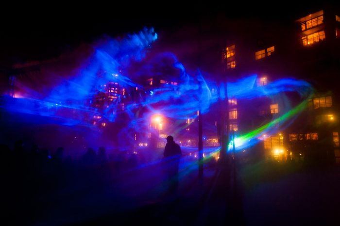 Rook en lasers tijdens GLOW Eindohven