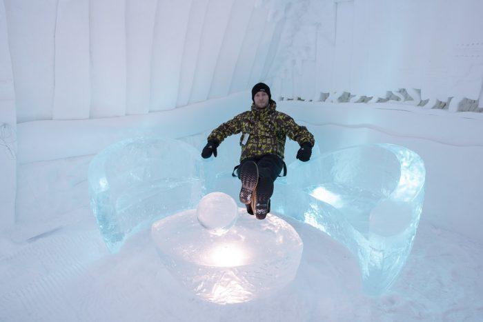 Toch leuk dat sommige ijskamers een zitje hebben! :)