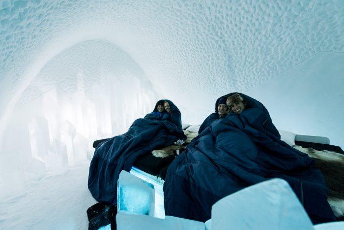 In onze (duo)slaapzakken op de ijskamer!