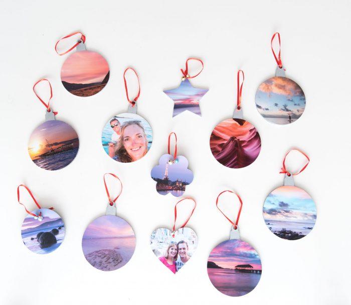 ... en de andere kant van de kerstballen zijn juist meer rood/roze/paars gekleurd!