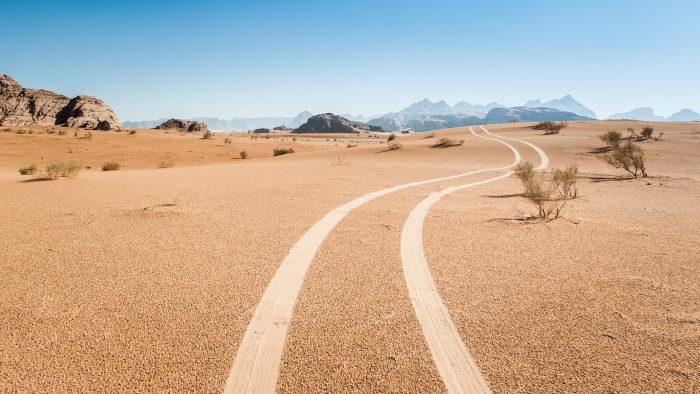 Met de jeep door de woestijn