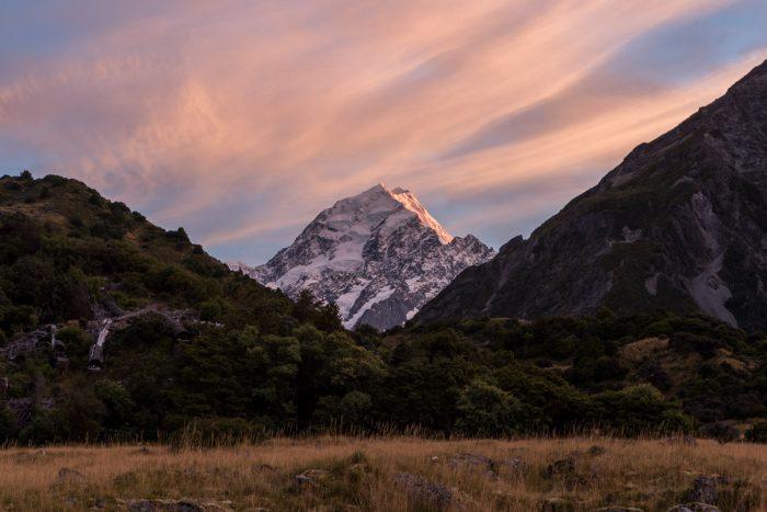 Mount Cook bij zonsopkomst.