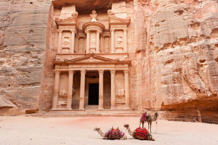 Ook dieren kun je functioneel in beeld plaatsen. De schatkamer in Petra, Jordanië, is meer dan veertig meter hoog.