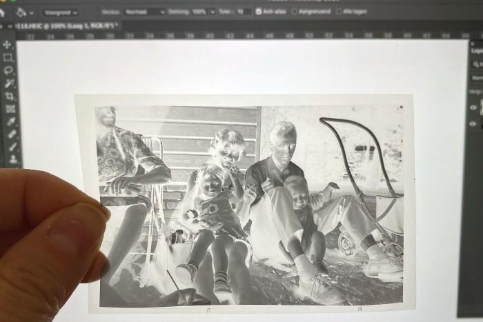 Je kunt in plaats van Photoshop natuurlijk ook een leeg document van een tekstverwerker als Word gebruiken als witte achtergrond.