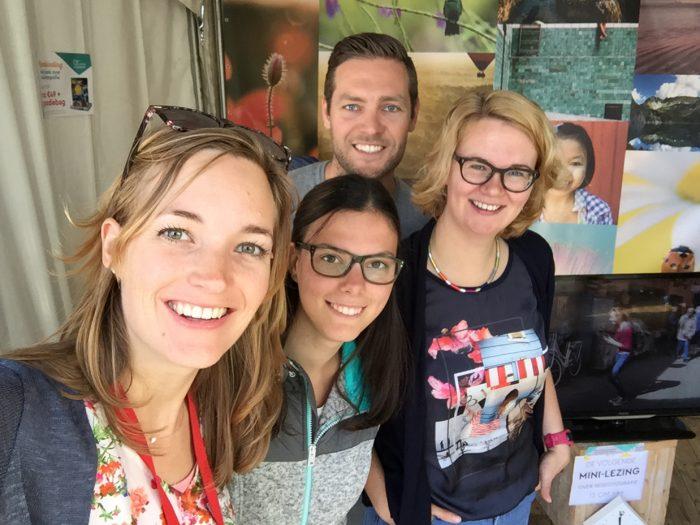 Selfie op de fotofair met Naomi, Rabin en Sofie