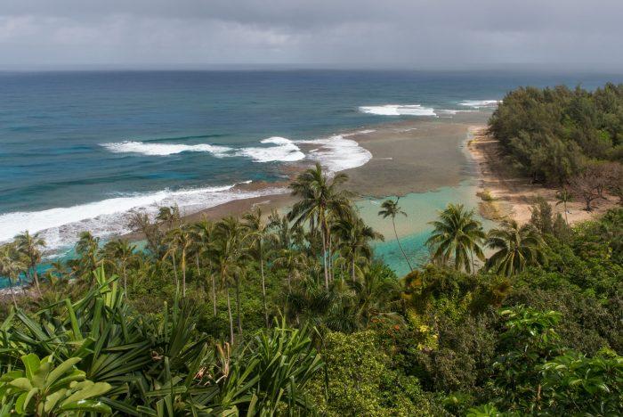 Ke'e Beach. Ik heb ergens lezen dat hier deels Pirates Of the Caribbean (deel 4) opgenomen is. For your info: de eilanden van Hawaï liggen NIET in de caribische zee ;)