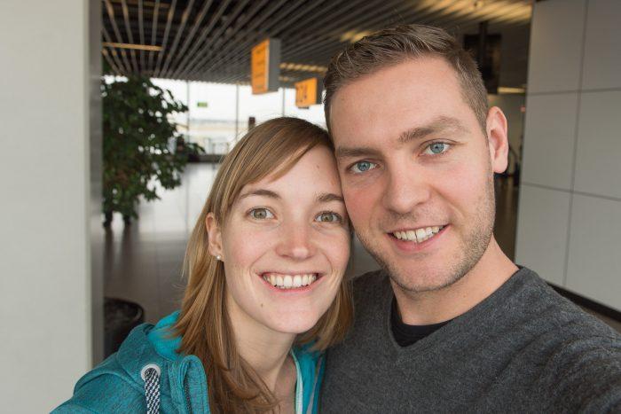 De 'vertrekselfie' van mij en Rabin: 17 februari op Schiphol