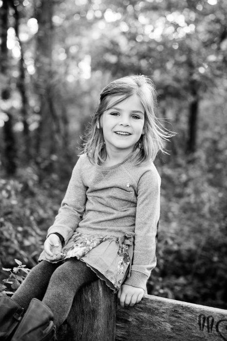 Zwart-wit kinderfoto