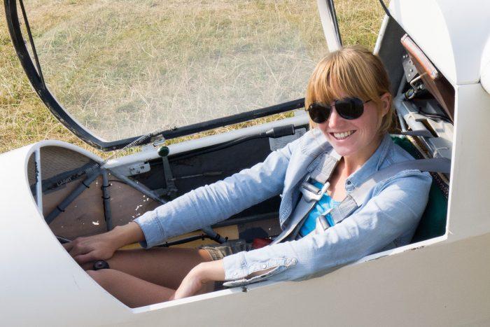 Ik in een K8 zweefvliegtuig. De pilotenbril hoort er bij natuurlijk ;)